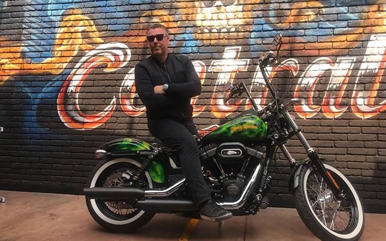 Rick De La Croix and Harley Davidson
